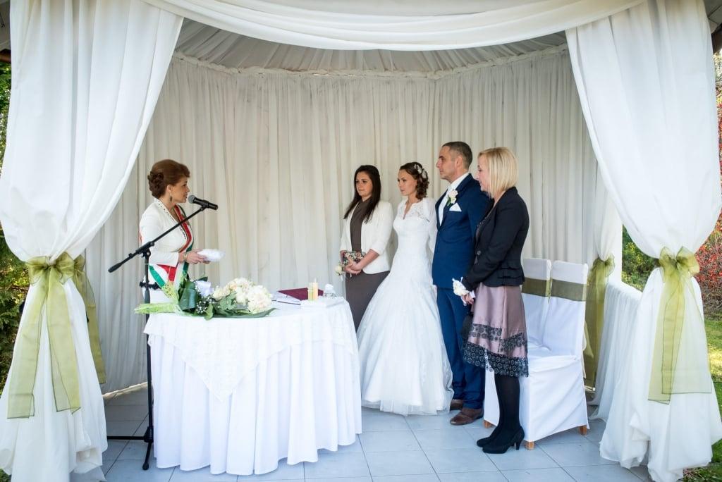 Kovács Margó esküvői szertartásvezető